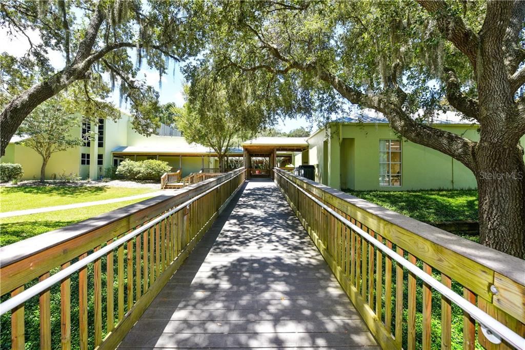 Single Family Home for sale at 2455 Gold Oak Ct E, Sarasota, FL 34232 - MLS Number is A4412819