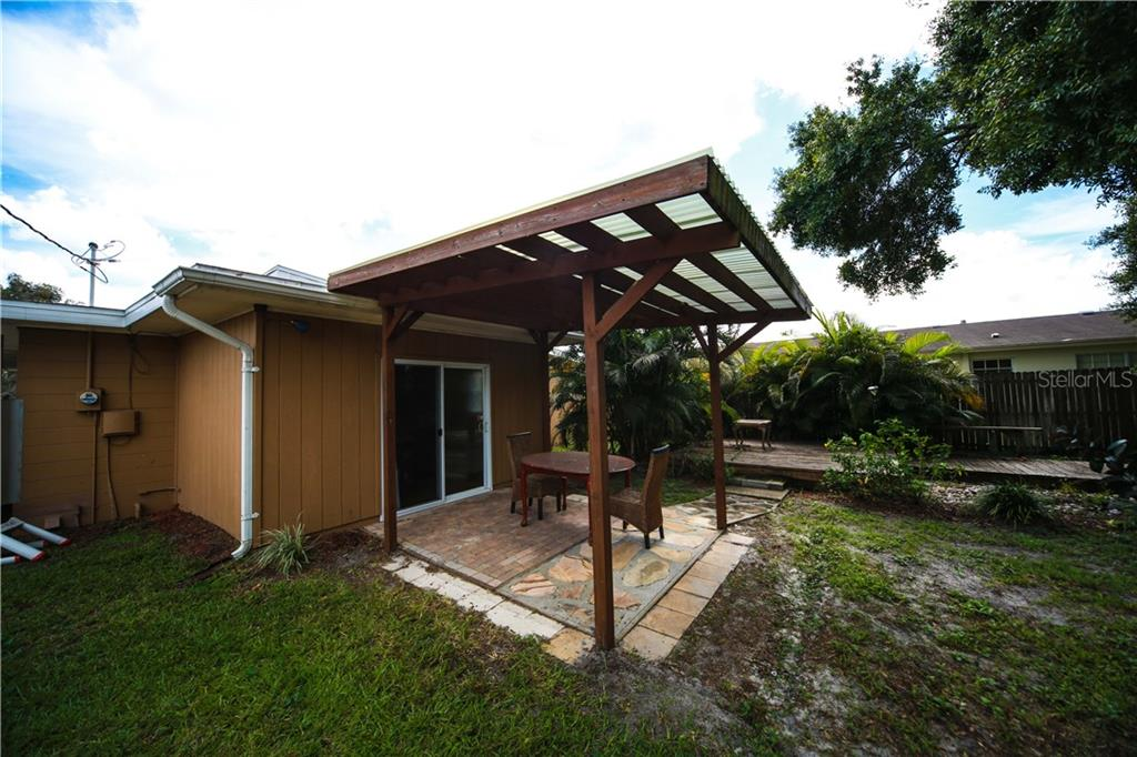 Single Family Home for sale at 2004 27th St W, Bradenton, FL 34205 - MLS Number is A4414758