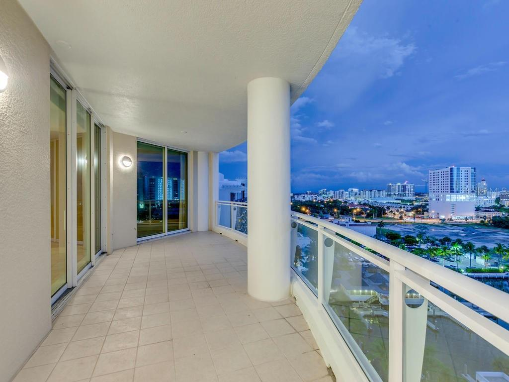 Third en-suite - Condo for sale at 990 Blvd Of The Arts #1102, Sarasota, FL 34236 - MLS Number is A4417004