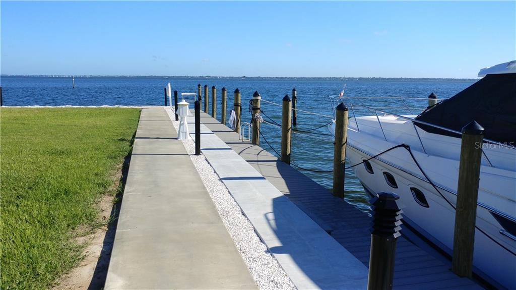 Sarasota Bay straight ahead. - Condo for sale at 450 Gulf Of Mexico Dr #b107, Longboat Key, FL 34228 - MLS Number is A4418457