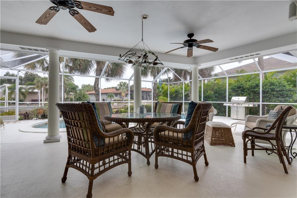 Single Family Home for sale at 538 Venice Ln, Sarasota, FL 34242 - MLS Number is A4419144