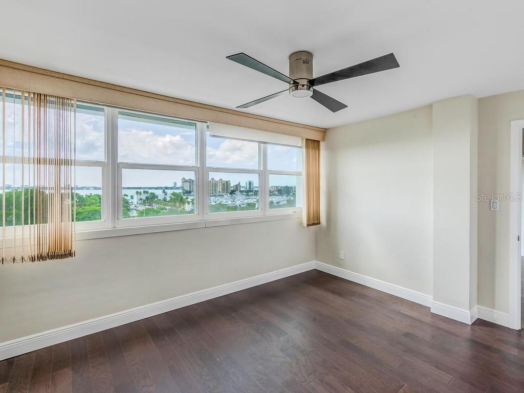 Master Bedroom with direct bay and marina views. - Condo for sale at 33 S Gulfstream Ave #706, Sarasota, FL 34236 - MLS Number is A4419314