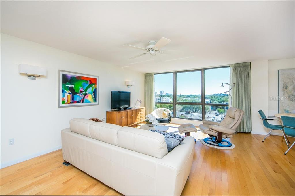 Condo for sale at 707 S Gulfstream Ave #706, Sarasota, FL 34236 - MLS Number is A4419503