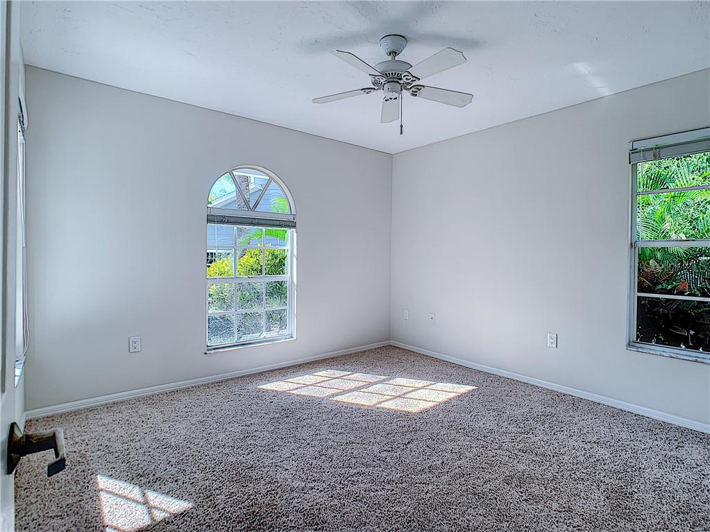 Guest Bedroom 1 - Single Family Home for sale at 4559 Trails Dr, Sarasota, FL 34232 - MLS Number is A4420363