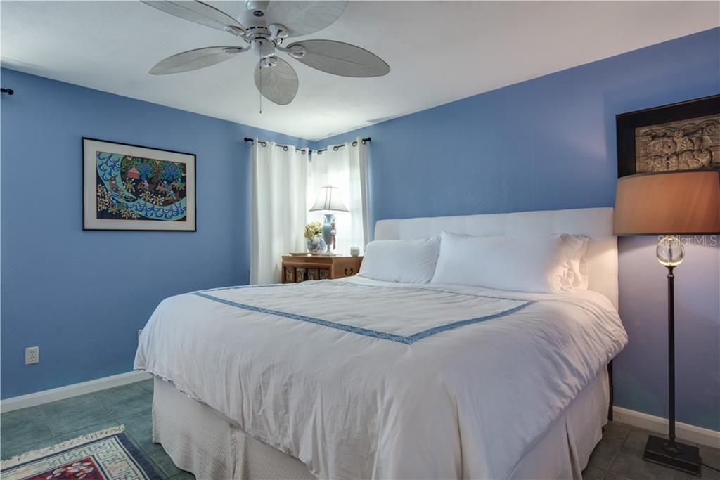 Guest room in Main House - Single Family Home for sale at 147 Garfield Dr, Sarasota, FL 34236 - MLS Number is A4420375