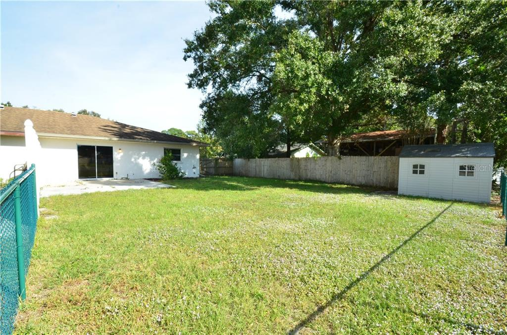 Duplex/Triplex for sale at 2903 36th Ave W, Bradenton, FL 34205 - MLS Number is A4420428