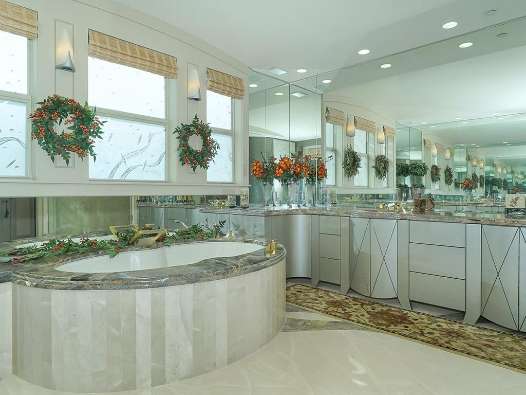 Generous Master Bathroom - Condo for sale at 2399 Gulf Of Mexico Dr #3c3, Longboat Key, FL 34228 - MLS Number is A4421722