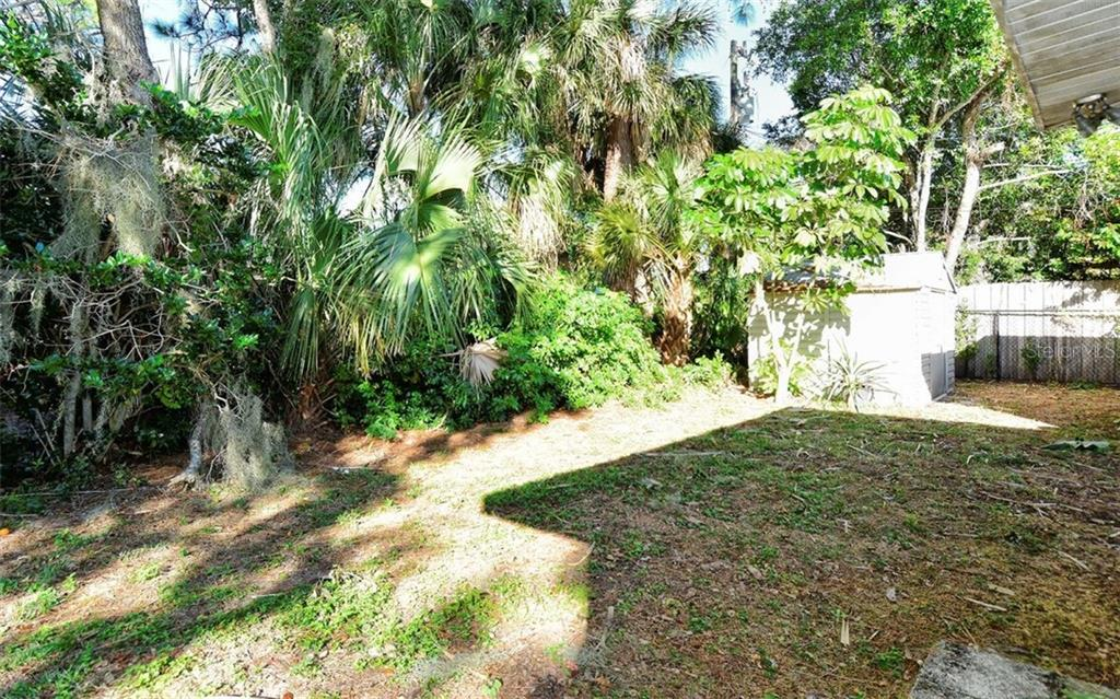 Single Family Home for sale at 6326 Olive Ave, Sarasota, FL 34231 - MLS Number is A4422367