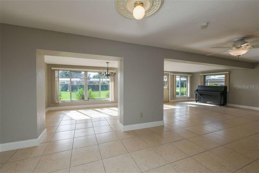 Open floor plan. - Villa for sale at 3434 Medford Ln #1110, Sarasota, FL 34239 - MLS Number is A4422897