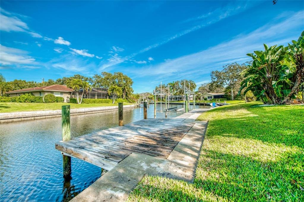 Dock #2 without lift - Single Family Home for sale at 5548 Shadow Lawn Dr, Sarasota, FL 34242 - MLS Number is A4423461