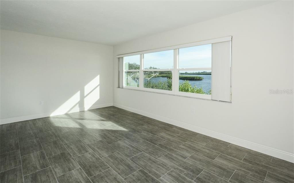 Single Family Home for sale at 3906 Riverwalk Ct, Bradenton, FL 34208 - MLS Number is A4423552