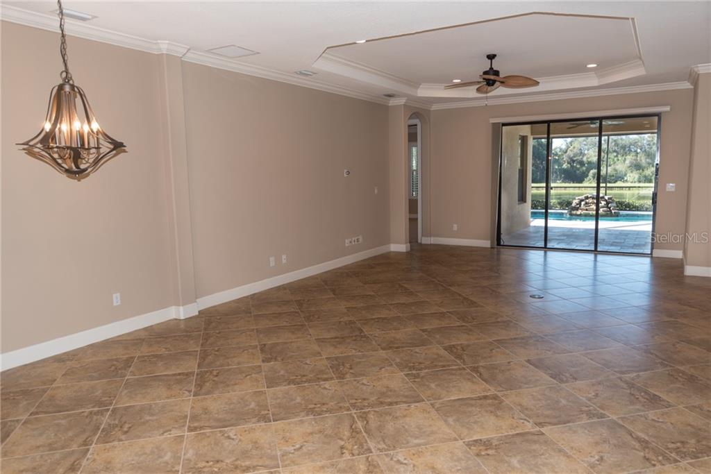 Single Family Home for sale at 2477 Vaccaro Dr, Sarasota, FL 34231 - MLS Number is A4424338