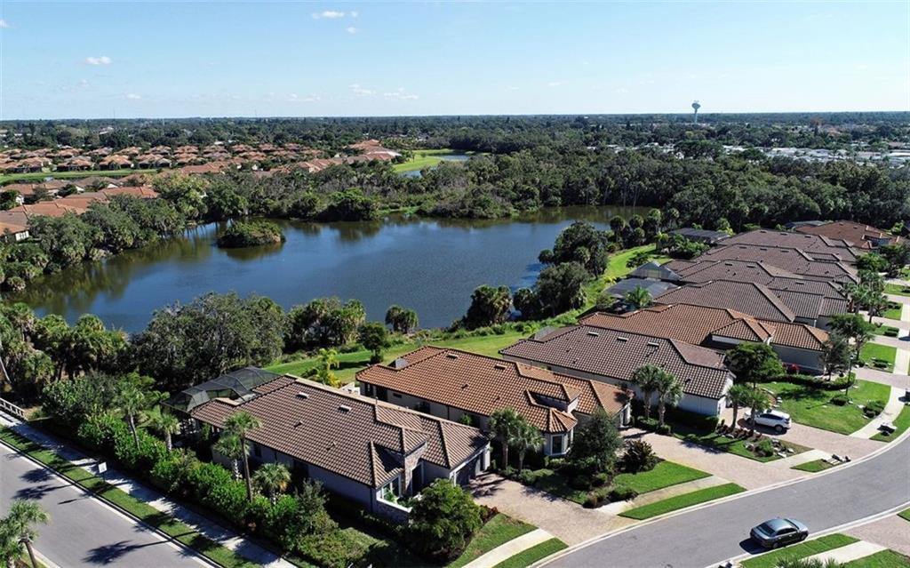 Single Family Home for sale at 8128 Gabanna Dr, Sarasota, FL 34231 - MLS Number is A4424610