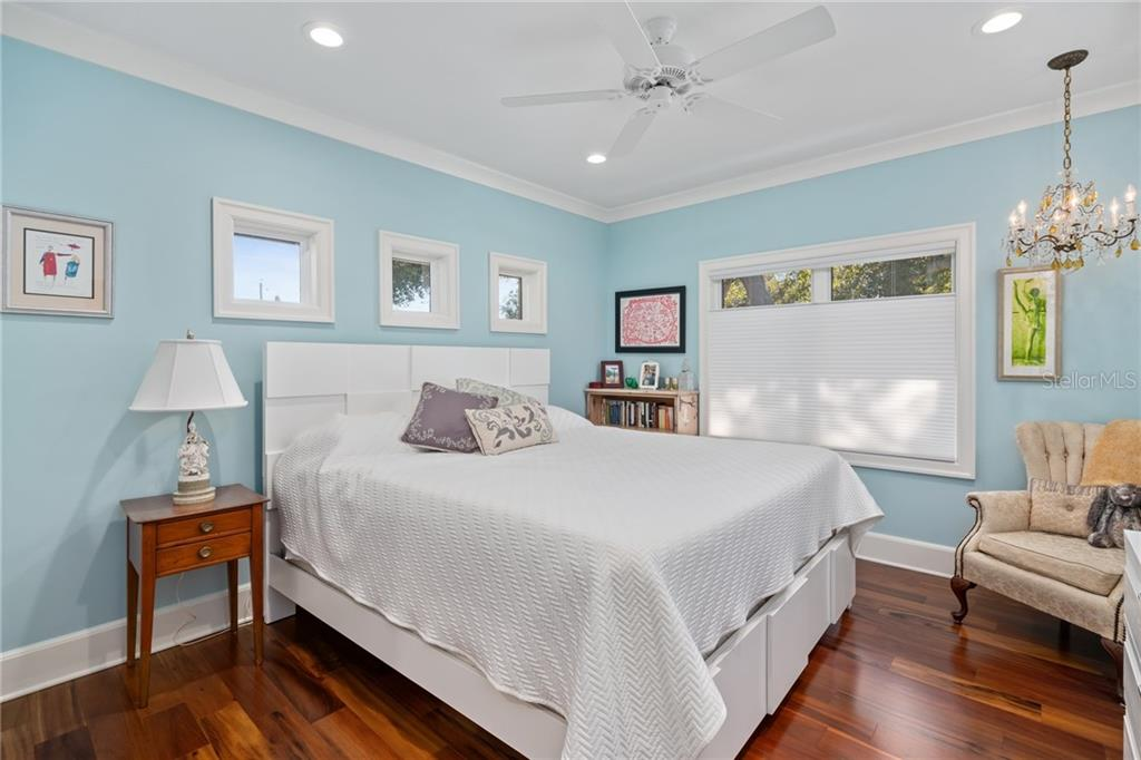 Guest room. - Single Family Home for sale at 1575 Bay Point Dr, Sarasota, FL 34236 - MLS Number is A4425602