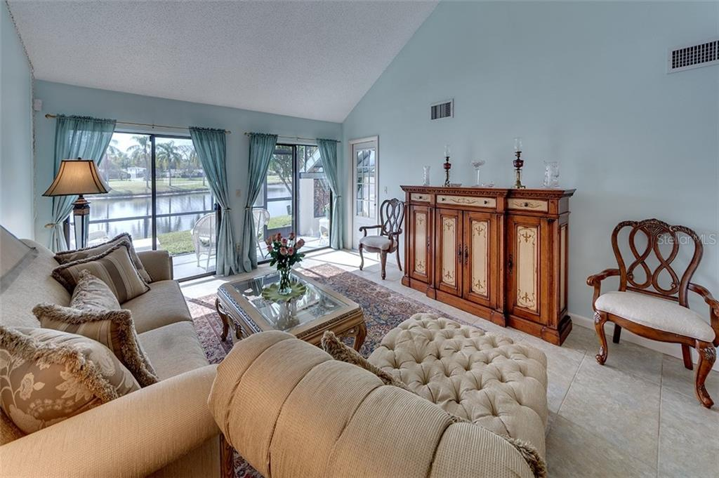 Condo for sale at 2547 Glebe Farm Close #i-3, Sarasota, FL 34235 - MLS Number is A4425667