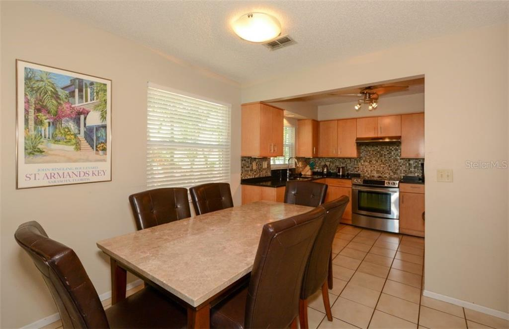 Duplex/Triplex for sale at 364 E Canal Rd, Sarasota, FL 34242 - MLS Number is A4425762