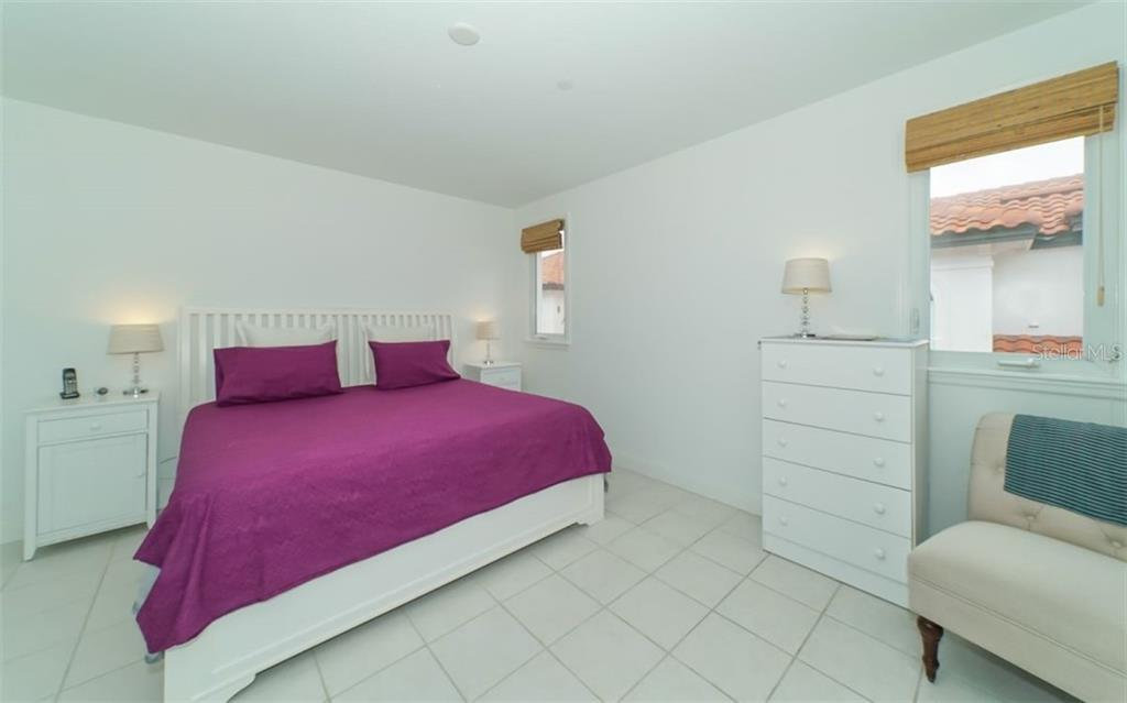 Spacious master bedroom. - Condo for sale at 1283 Fruitville Rd #a, Sarasota, FL 34236 - MLS Number is A4426039