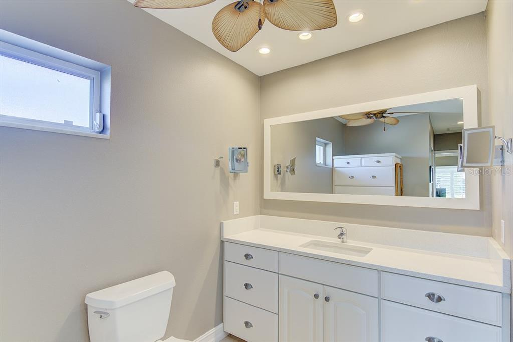 Master Bathroom - Single Family Home for sale at 622 Dundee Ln, Holmes Beach, FL 34217 - MLS Number is A4426329