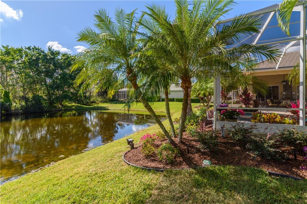 Single Family Home for sale at 7322 Chatsworth Ct, University Park, FL 34201 - MLS Number is A4426987