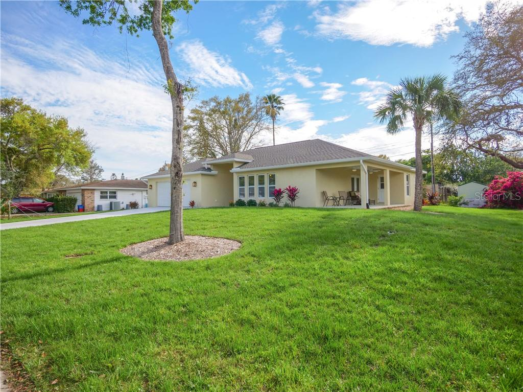 More than enough room to add on a pool and extra patio space for ultimate Florida living. - Single Family Home for sale at 2558 Oneida Rd, Venice, FL 34293 - MLS Number is A4428145