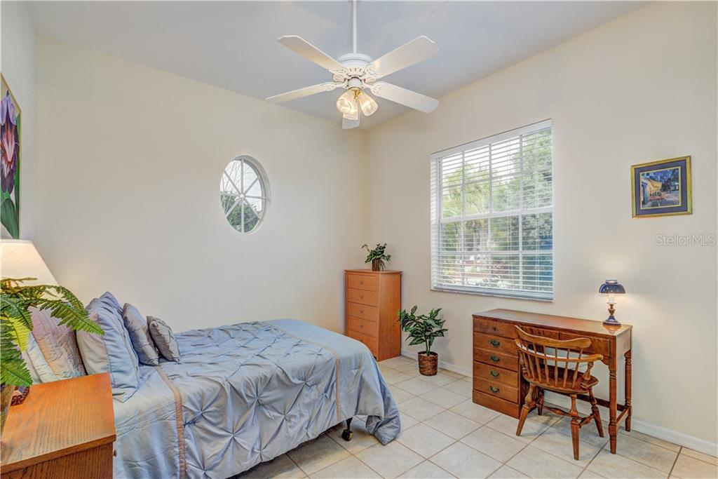 Spacious third bedroom - Single Family Home for sale at 6321 W Glen Abbey Ln E, Bradenton, FL 34202 - MLS Number is A4429610