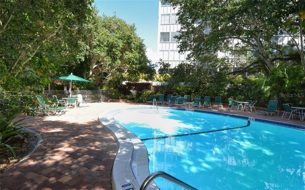 Bayside Heated Pool - Condo for sale at 1125 W Peppertree Dr #603, Sarasota, FL 34242 - MLS Number is A4430690