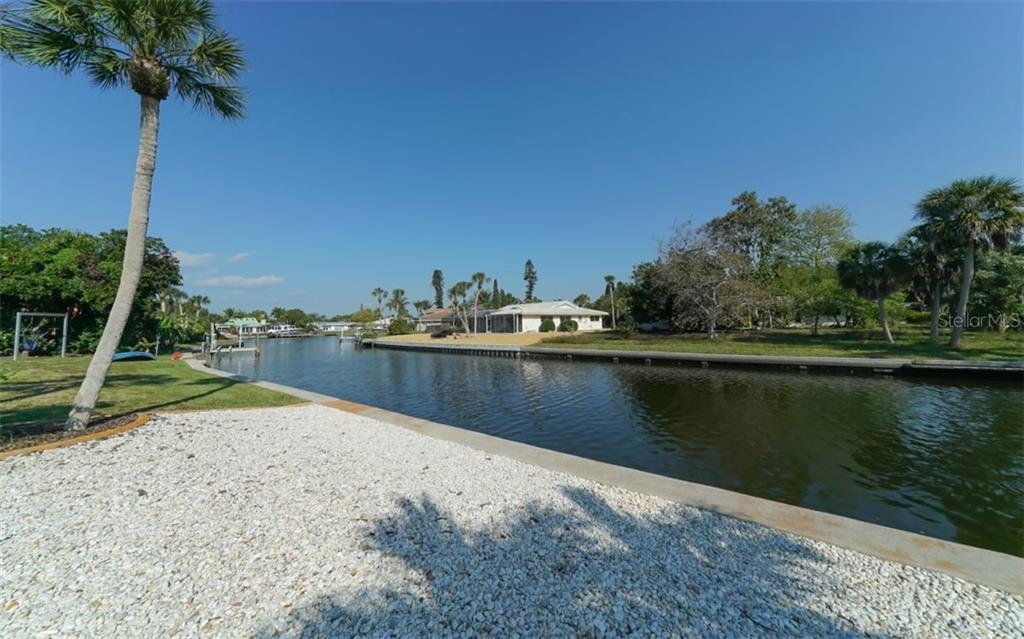 New Seawall and Cap in 1995 - Single Family Home for sale at 935 Contento St, Sarasota, FL 34242 - MLS Number is A4431223