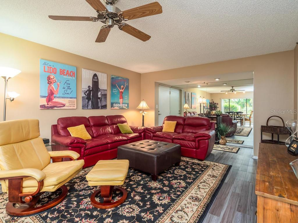 Furnished for relaxing and immediate enjoyment! - Condo for sale at 131 Garfield Dr #1b, Sarasota, FL 34236 - MLS Number is A4432013