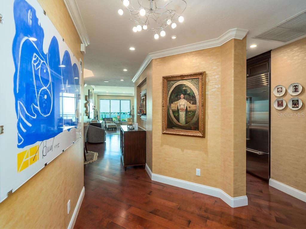 The moment you walk in... - Condo for sale at 340 S Palm Ave #74, Sarasota, FL 34236 - MLS Number is A4432744