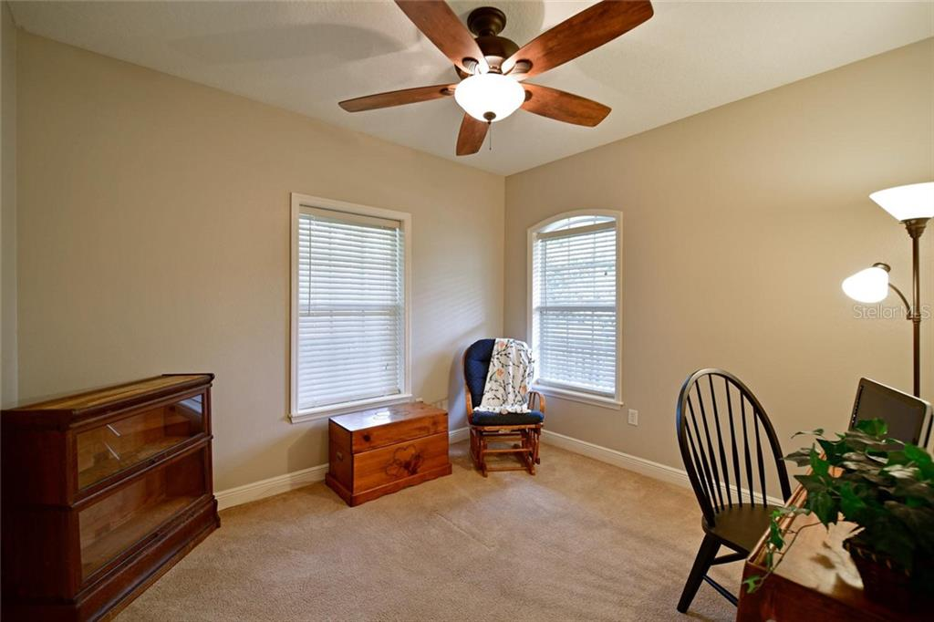 Guest bedroom Main floor - Single Family Home for sale at 13825 18th Pl E, Bradenton, FL 34212 - MLS Number is A4435082