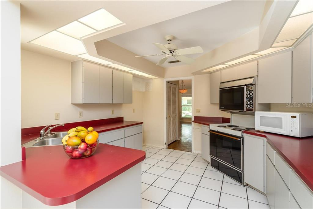 Single Family Home for sale at 2535 Colony Ter, Sarasota, FL 34239 - MLS Number is A4436601