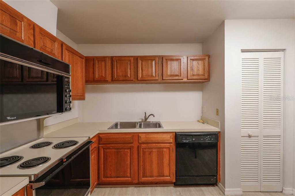 Kitchen - Condo for sale at 1742 Landings Blvd #38, Sarasota, FL 34231 - MLS Number is A4439252