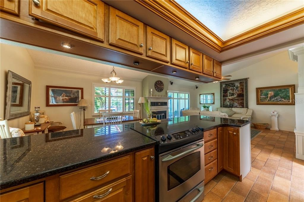 Kitchen - Townhouse for sale at 734 Sorrento Inlt, Nokomis, FL 34275 - MLS Number is A4441958