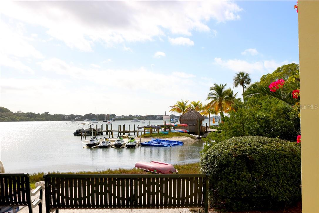 Under 5 minutes to the downtown bay front - Single Family Home for sale at 1666 Hillview St, Sarasota, FL 34239 - MLS Number is A4459323