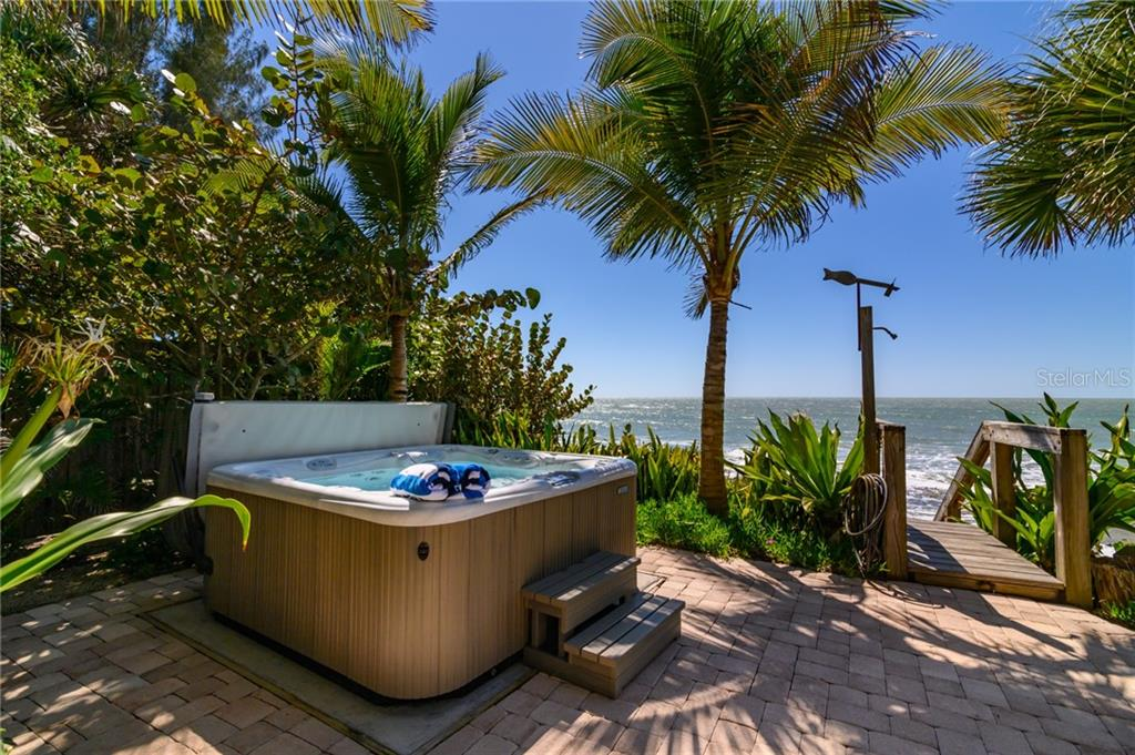 Hot tub on Gulf terrace - Single Family Home for sale at 7340 Point Of Rocks Rd, Sarasota, FL 34242 - MLS Number is A4461841