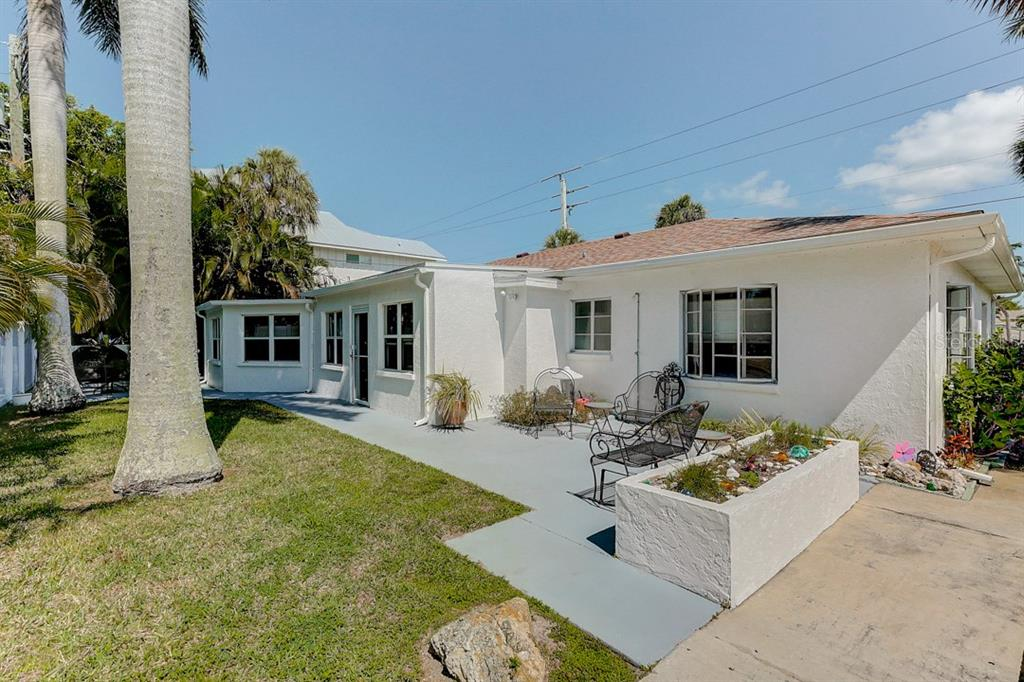 Duplex/Triplex for sale at 7802 Palm Dr #A & B, Holmes Beach, FL 34217 - MLS Number is A4462950