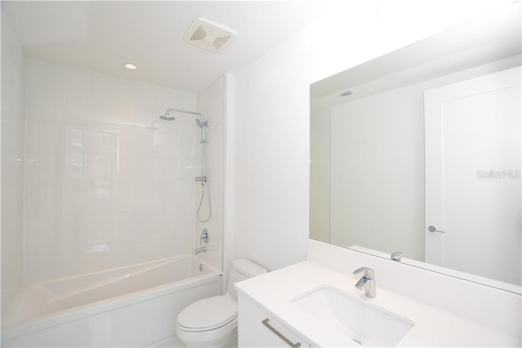 Full Second Bath - Condo for sale at 111 S Pineapple Ave #610, Sarasota, FL 34236 - MLS Number is A4463717
