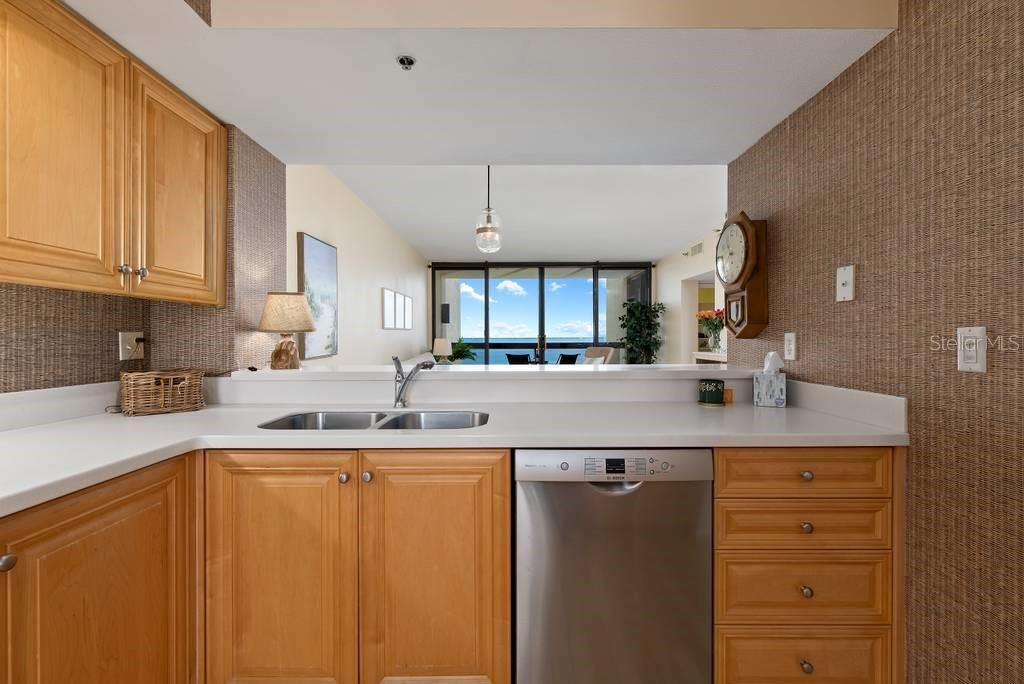 Newer stainless appliances....views in every direction - Condo for sale at 2016 Harbourside Dr #352, Longboat Key, FL 34228 - MLS Number is A4470767