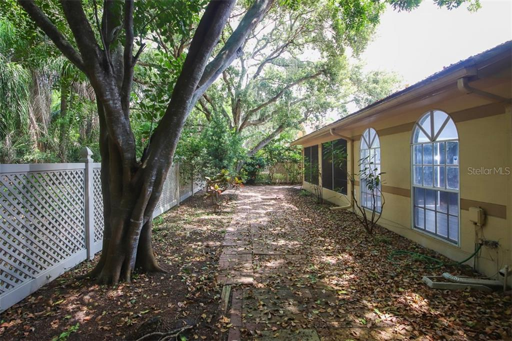 Townhouse for sale at 3620 57th Avenue Dr W, Bradenton, FL 34210 - MLS Number is A4471167