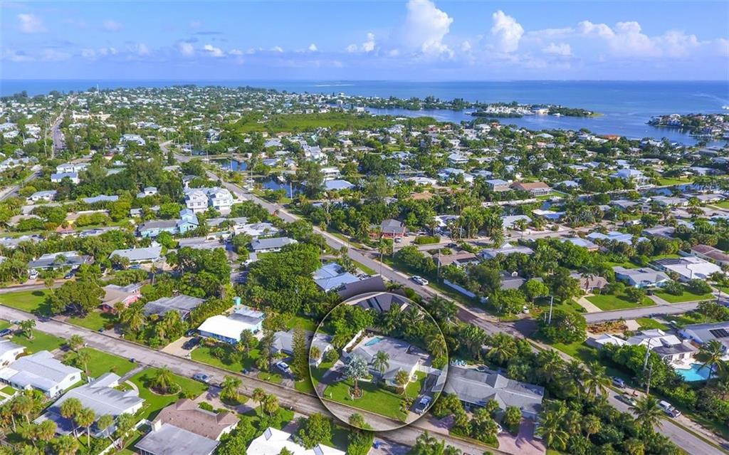 Owner Improvements - Single Family Home for sale at 410 Bay Palms Dr, Holmes Beach, FL 34217 - MLS Number is A4476011