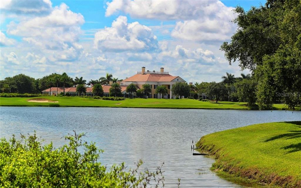 The Oaks Club - Single Family Home for sale at 462 E Macewen Dr, Osprey, FL 34229 - MLS Number is A4476181