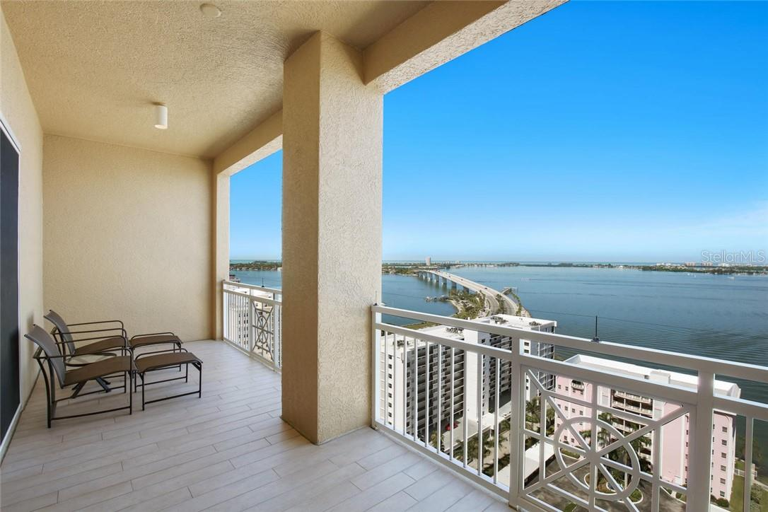 Master Suite with pecky cypress ceiling - Condo for sale at 35 Watergate Dr #1803, Sarasota, FL 34236 - MLS Number is A4476458