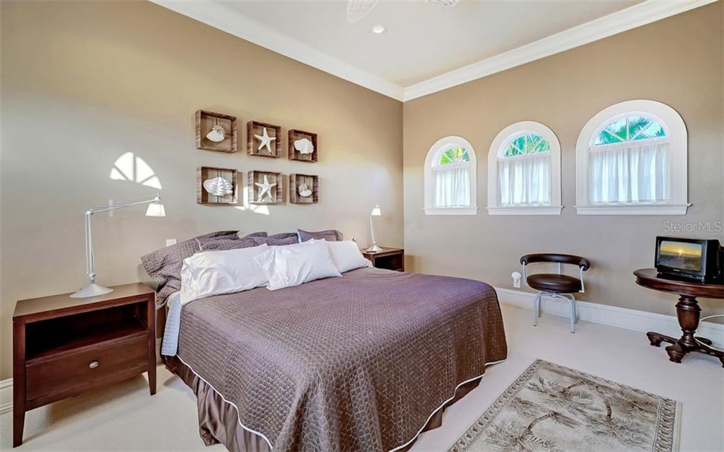 Guest bedroom - Single Family Home for sale at 35 Lighthouse Point Dr, Longboat Key, FL 34228 - MLS Number is A4477572