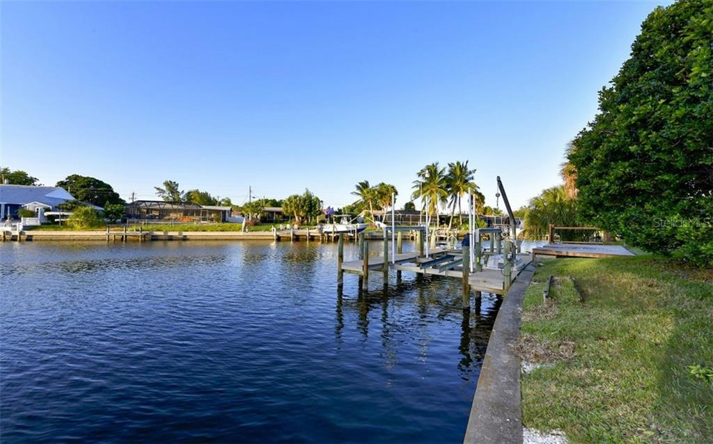 Jet Ski lift - Single Family Home for sale at 9219 Bimini Dr, Bradenton, FL 34210 - MLS Number is A4483083