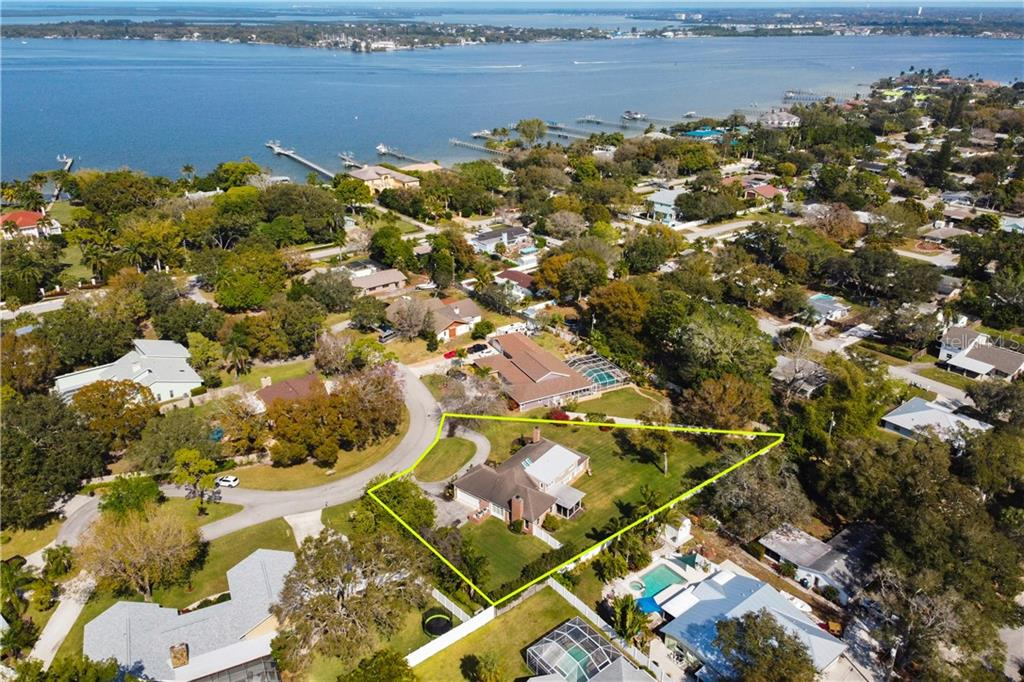 Single Family Home for sale at 1307 Riverview Cir, Bradenton, FL 34209 - MLS Number is A4491349