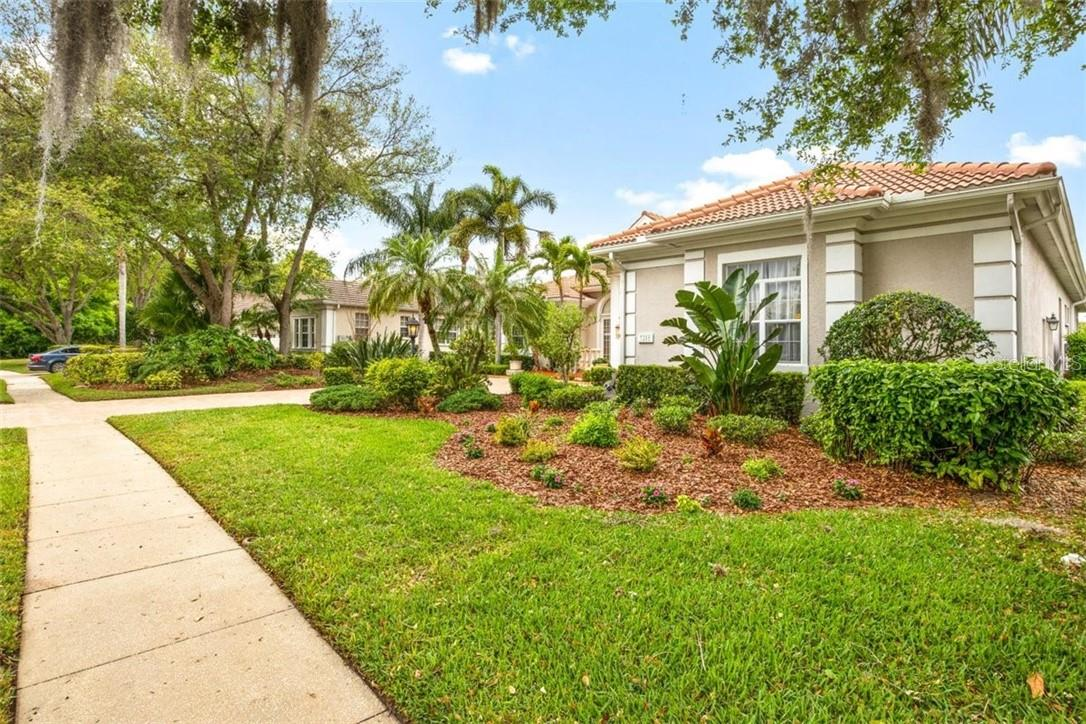 Single Family Home for sale at 7215 Marlow Pl, University Park, FL 34201 - MLS Number is A4494198