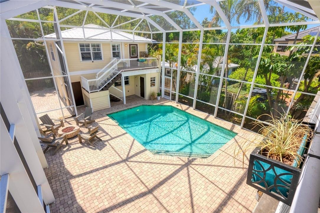 Single Family Home for sale at 1690 Arlington St, Sarasota, FL 34239 - MLS Number is A4495615