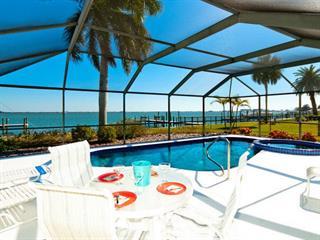 629 Key Royale Dr, Holmes Beach, FL 34217