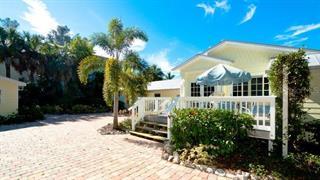 103 47th St, Holmes Beach, FL 34217