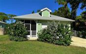2411 Valentine St, Sarasota, FL 34238